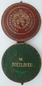 Photo numismatique  Ordres et Décorations Décorations Militaires Françaises LA MONARCHIE DE JUILLET (1830-1848)  Ecrin